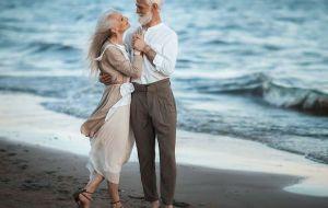 Жизнь прекрасна, не суди всех строго: какая старость ожидает Козерогов