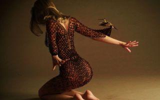 На колени, сударыня: даосская «мини-ходьба» для здоровья бёдер и спины